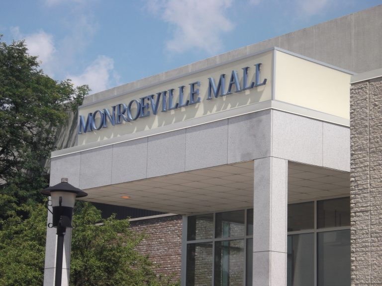 Monroeville Mall – July 26, 2011